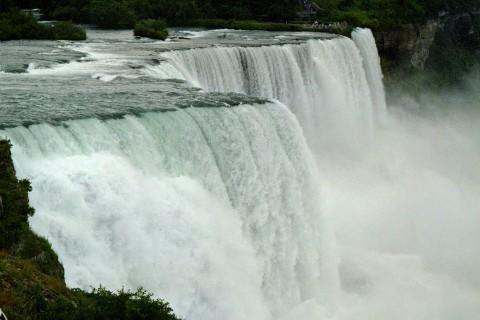 شـلالات نـياغـرا Niagara Falls